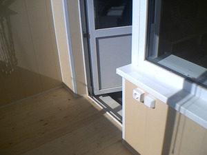 Установка электрики, обогрева, света на балконе